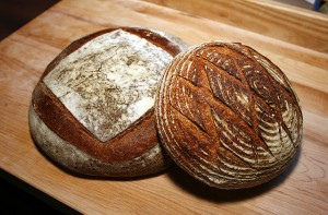 640px-Sourdough_miche_&_boule